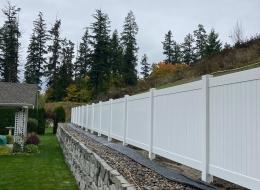quality vinyl fence