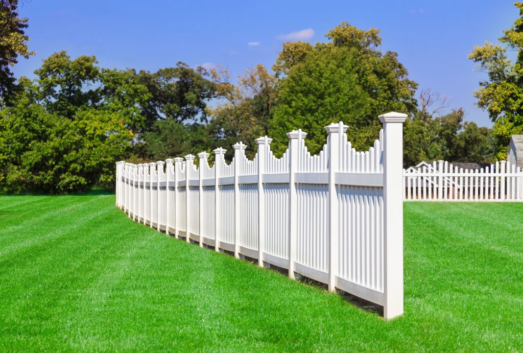 White vinyl fencing installation okanagan